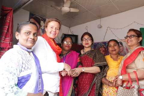 Dr. Torkelsson and the UNFPA team visit a beauty parlour