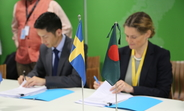 Swedish Ambassador and UNFPA Bangladesh Acting Representative sign grant agreement